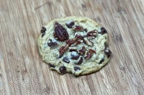 Homemade Chocolate Chips Cookies with Pecans *Special Order Almonds or Walnuts